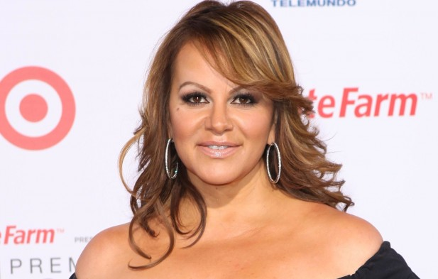 exclusiva-el-irs-suspende-la-fundacin-de-jenni-rivera